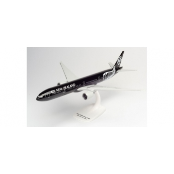 """1/200 Air New Zealand Boeing 777-300ER – ZK-OKQ """"All Blacks"""" Snap-FIt"""