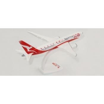 "1/200 Qantas ""100th Anniversary"" Boeing 787-9 Dreamliner Snap-Fit"