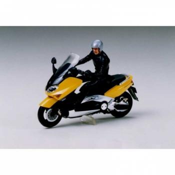 1/24 TAMIYA TMAX w/Rider Figure