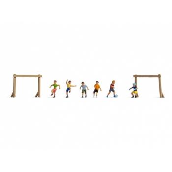 1/87 Noch Lapsed jalgpalli mängimas H0