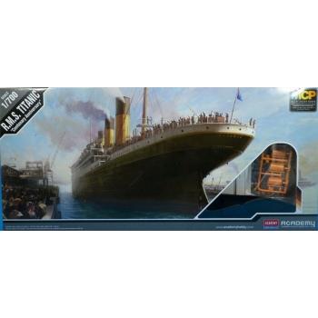 1/700 ACADEMY - Titanic