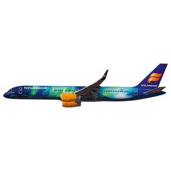 1/200 Icelandair B757-200  Snap-Fit
