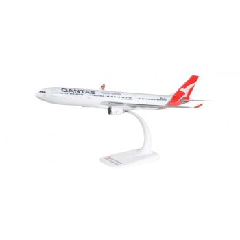 1/200 Qantas Airbus A330-300 - new 2016 colors - VH-QPJ Snap-Fit