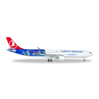 "1/500 Turkish Airlines Airbus A330-300 ""EM 2016"""