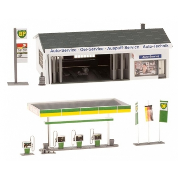 1/87 FALLER Petrol station with service bay H0