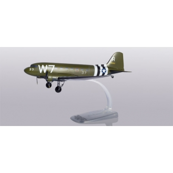 1/100 U.S. Army Air Forces Douglas C-47A Skytrain Snap-Fit
