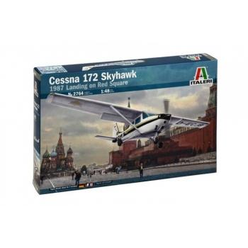 1/48 Italeri Cessna 172 Skyhawk 1987 Landing on Red Square