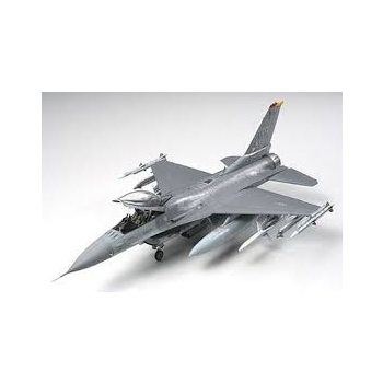 1/48 F-16 CJ Fighting Falcon