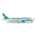 1/500 Uzbekistan Airways Boeing 787-8 Dremliner