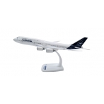 1/250 Lufthansa Boeing 747-8 Intercontinental - new 2018 colors SNAP-FIT