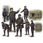 1/35 TRUMPETER Soviet Soldier Scud B Crew