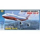 1/144 ZVEZDA Boeing 747-8