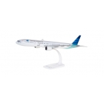 1/200 Garuda Indonesia Boeing 777-300ER Snap-Fit