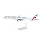1/200 Emirates Boeing 777-300ER Snap-Fit