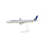 1/200 United Airlines Boeing 777-300ER Snap-Fit