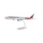 "1/200 Emirates Boeing 777-300ER ""Benfica Lissabon"" Snap-Fit"